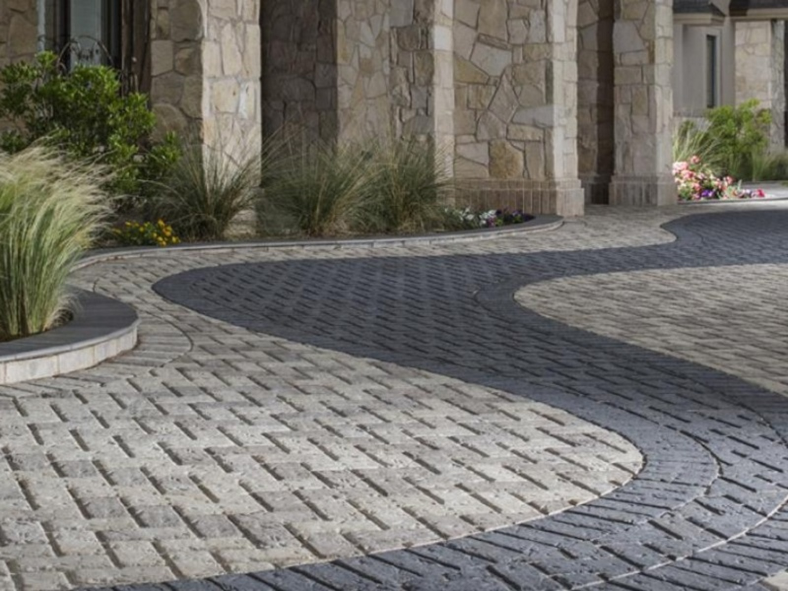 Paver company in LA Offers Paving Selection Tip. Pavers Vs. Concrete – Which Way to Go? Eminent Pavers Los Angeles