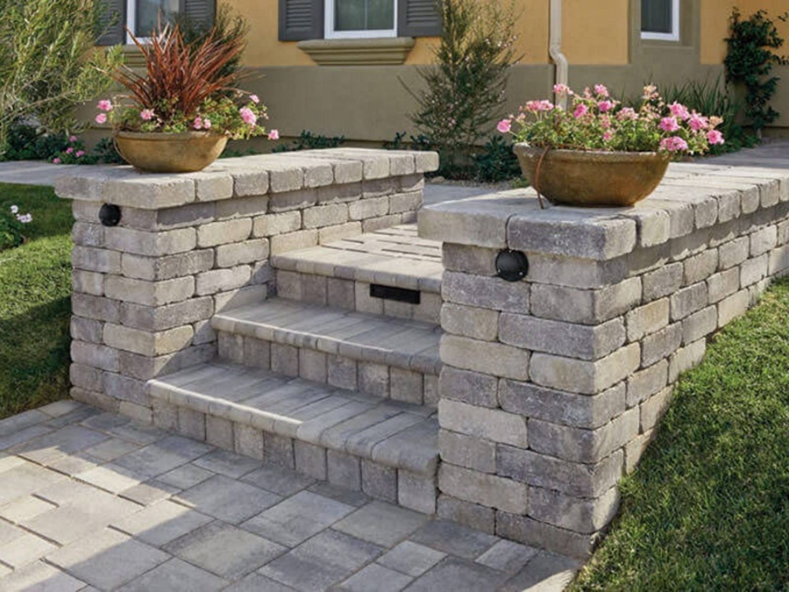 Tips to Choose the Best Paver Color for Your Project