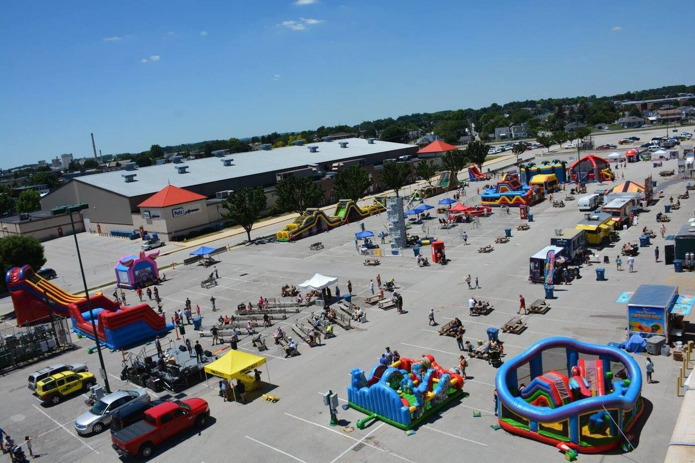 3 monkey inflatables bounce house rentals - Corporate Events
