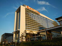 Solaire Resort & Casino. Image provided by Wikipedia.