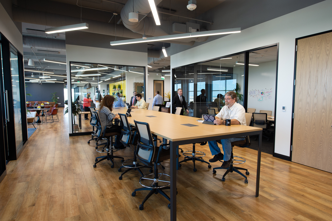Tara Louise Pollnitz Best Dallas Flexible Office Spaces  Modern Look Near  Dallas Galleria - Dallas Campbell Centre